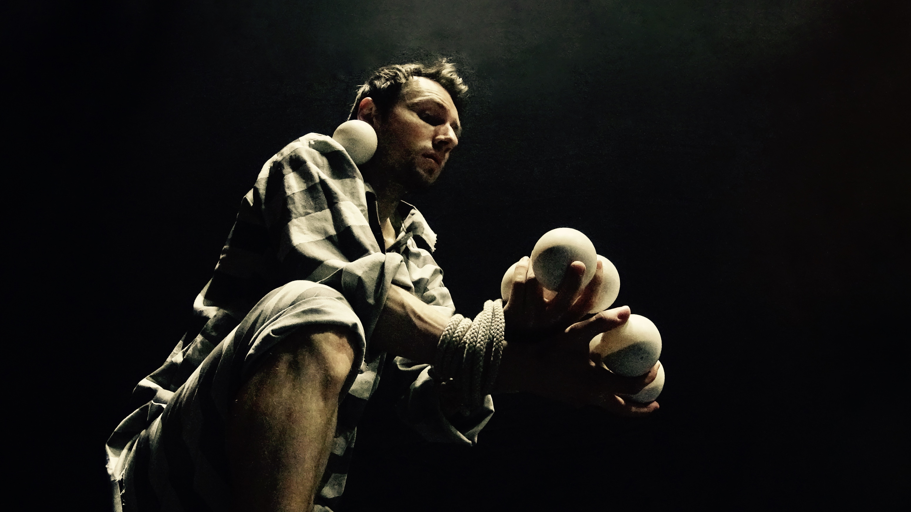 Prisoner Juggling 6